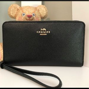 COACH: Large Phone Wallet (Black)